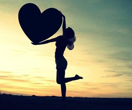 Cara menjadi diri sendiri dan mengenali diri lewat suara hati yang berbisik