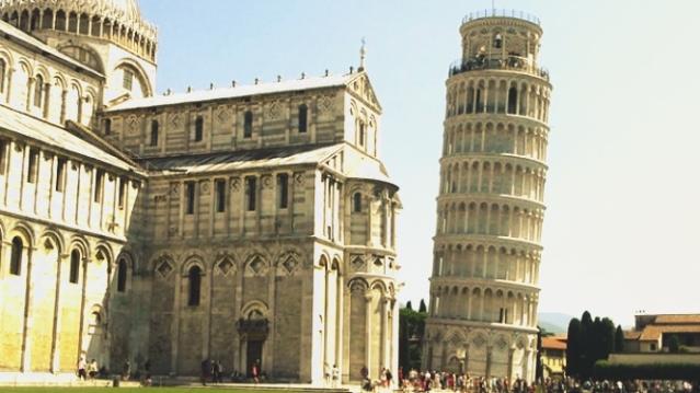 Menara Miring Pisa Italia